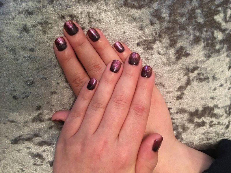 Gel nails pink black glitter nalon salon art