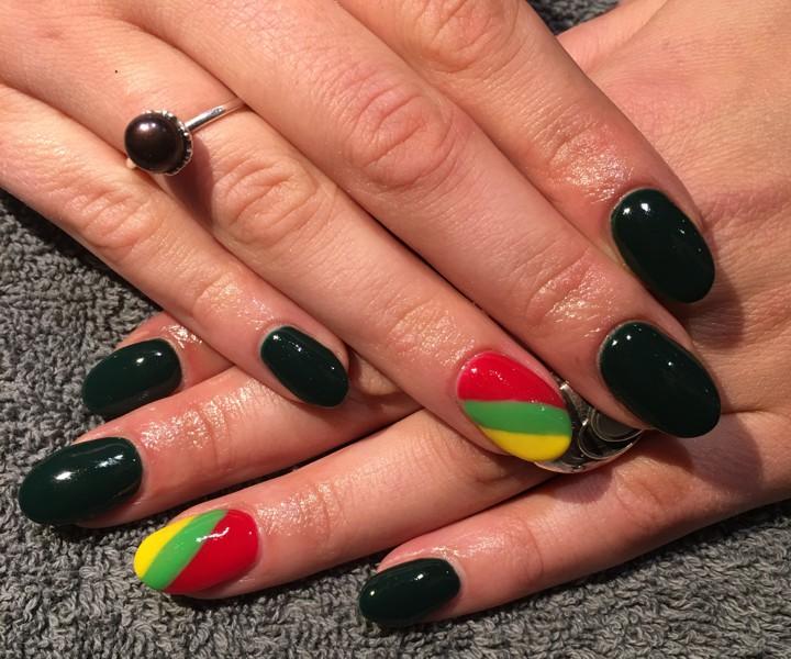 gel nails in unique design