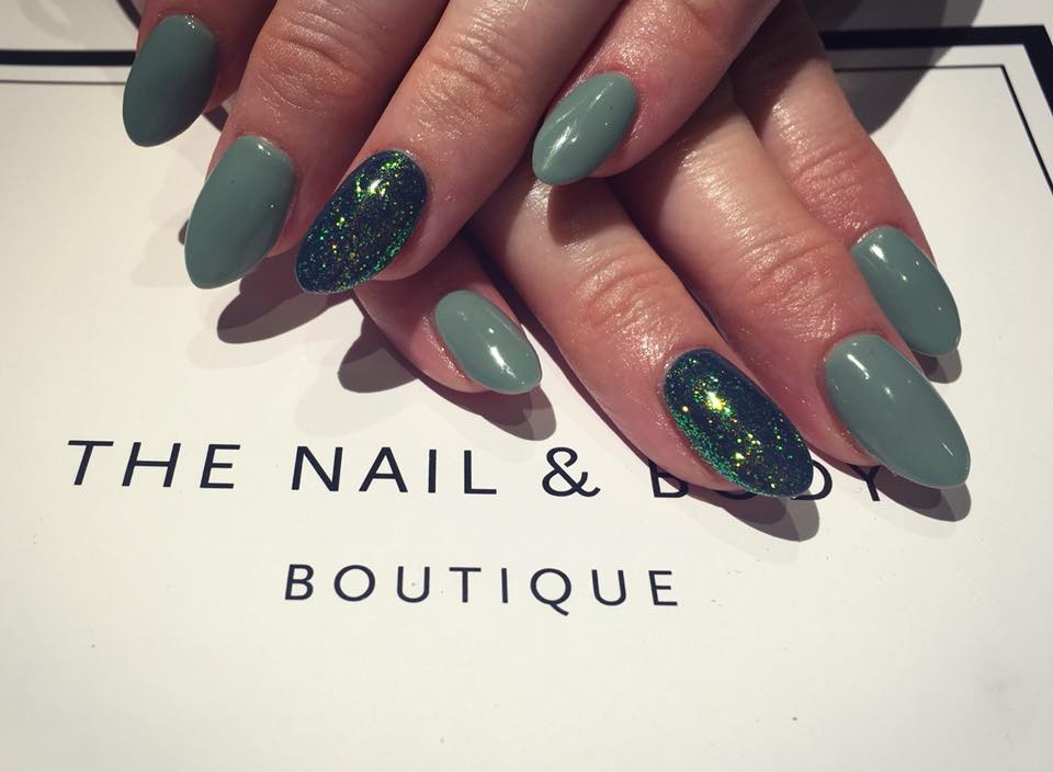 Focal Green Glitter For Stunning Surrey Nail Art The Nail Body
