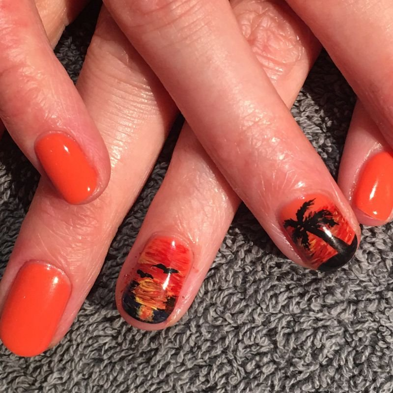 Tropical holiday long-lasting gel manicure and nail art in Surrey