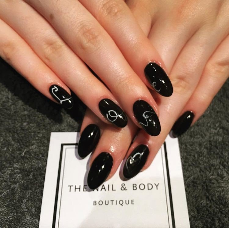 statement black nails for the best nail art in Surrey